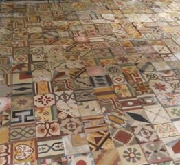 Antique floortiles