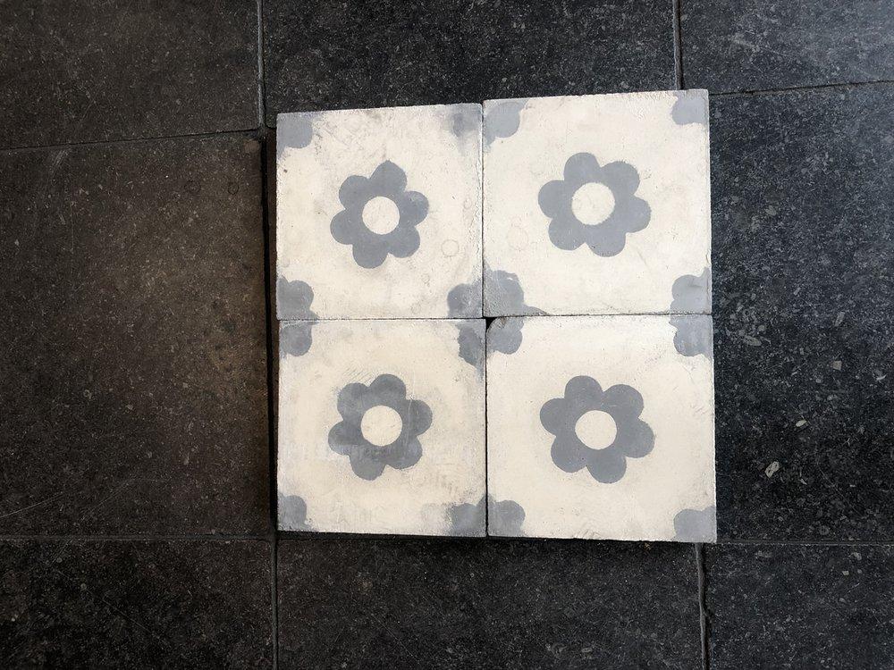 antique floor tiles 20x20cm