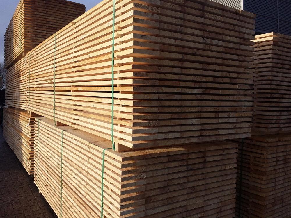Steigerplanken 30x200mm 150 stuks 3.00m €1,75p/m