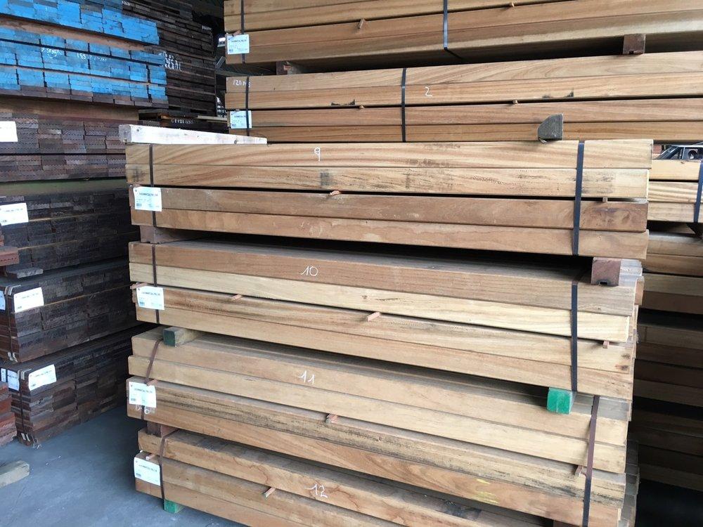 Hardhouten palen 85x85mm geschaafd 2.70m