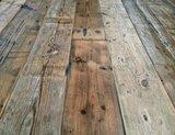 Oude antieke grenen vloerdelen_