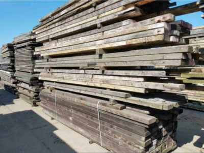 Antieke grenen balken 100x200mm 6.00m lang