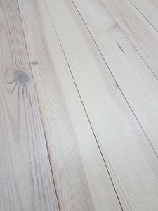 66,3 m2 pine floor oiled white 170mm wide