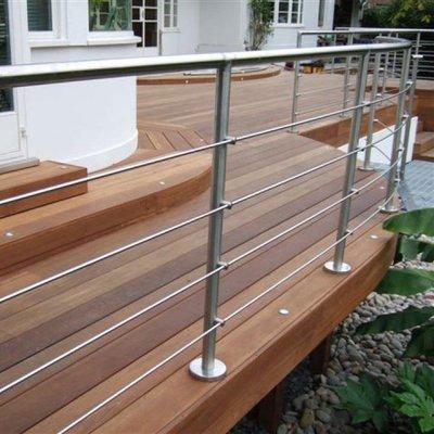 Hartholz Terrassendielen Decking 28mm stark 145mm breit glatt