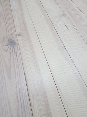 40.5 m2 Solid pine floor White Oiled