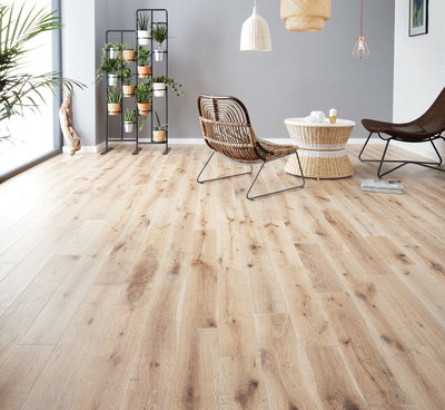 Oak floor, brushed and oiled 190mm width