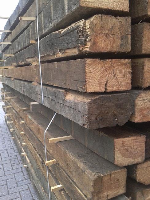 Oud grenen balken 120x160mm