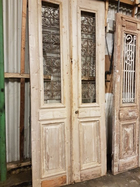 Antique double door 109 x 246 cm