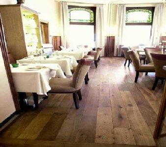 Horecavloeren, diverse houtsoorten al vanaf € 12,-p/m2
