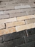 Bricks van echt kalksteen, ijsselsteentjes_