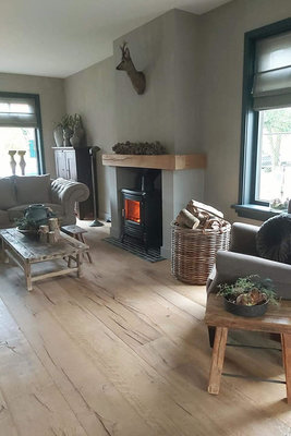147 m2 Oak floor XXL Multi-Floor brushed, old and oiled 270mm wide