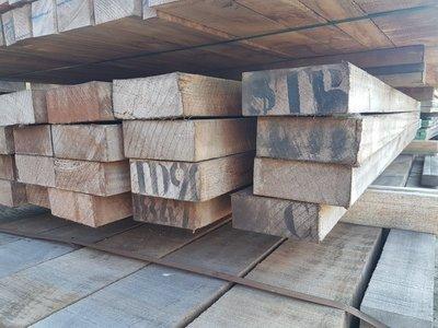 24 stuks Hardhouten balken 50x130 mm x 228 cm