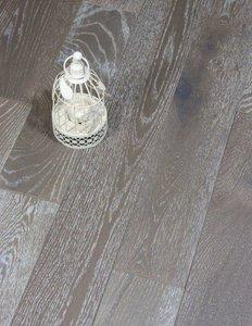AANBIEDING DEZE WEEK! Eiken vloer, multiplank kant & klaar geborsteld en cappuccino geolied