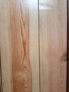 12,8 m2 Massieve pine vloer kant en klaar gelakt