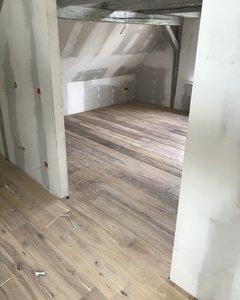 Antiek verouderde eiken vloer white kant & klaar!
