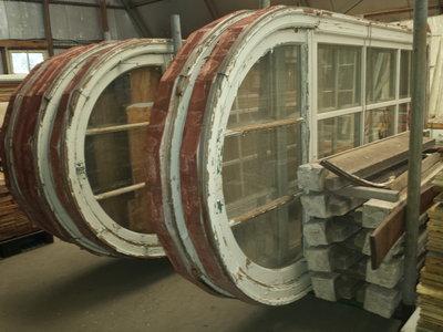 Antieke ronde ramen
