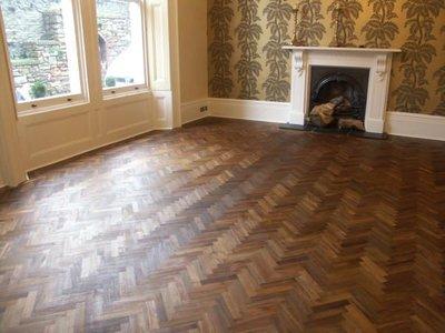 Solid Teakholz herringbone floor