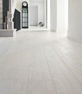 Massieve eiken vloer geborsteld, extra wit