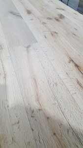 152m2 Oak floor, brushed and oiled 190mm width